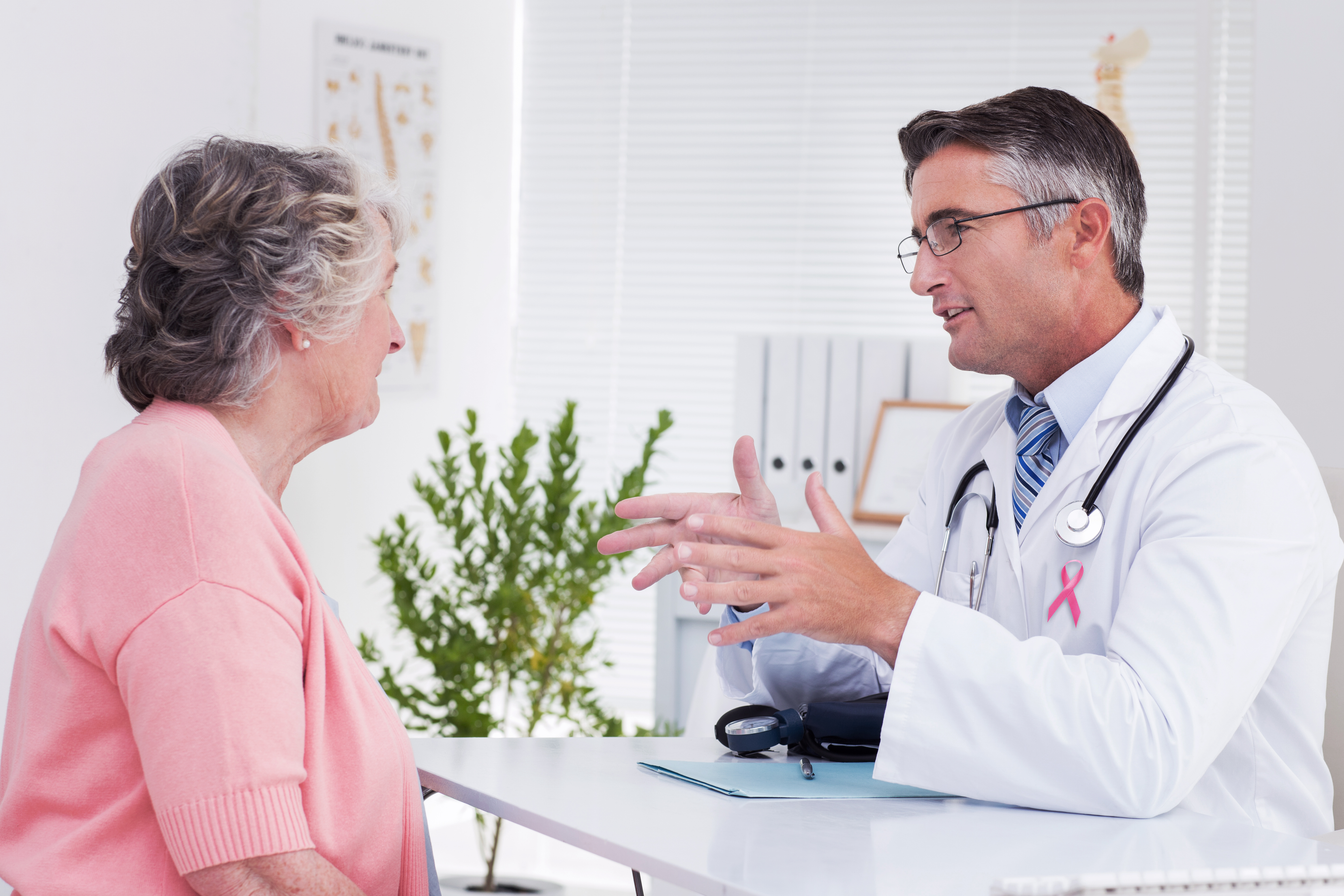 An elderly woman with consultant